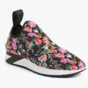 Women's slip on sneaker